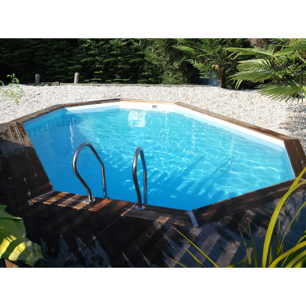 piscina in legno semi-interrata